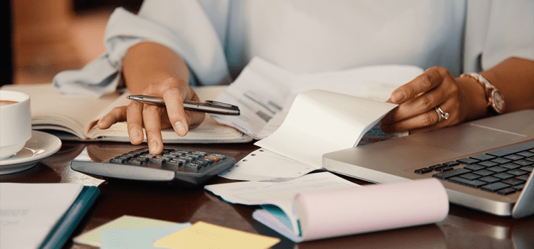 5 Tips for Managing Late Payments